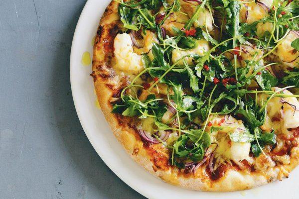 Pizza de Rúcula y Jamón en 15 minutos