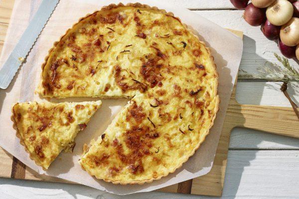 Exquisita Tarta Casera de Queso y Cebolla