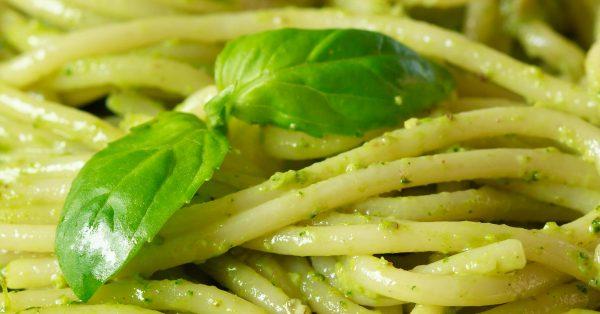 Spaghettis al Pesto – Fáciles y Riquísimos!